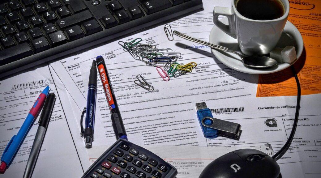 Бухгалтер в декрете зарабатывает 30 тысяч рублей в месяц
